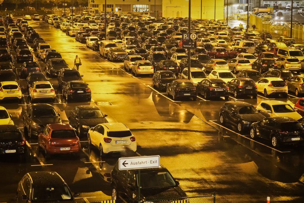 Parkplatz Flughafen